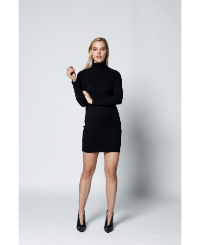 The Form Fitting Dress-Black